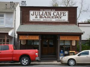 Julian 3-16 009
